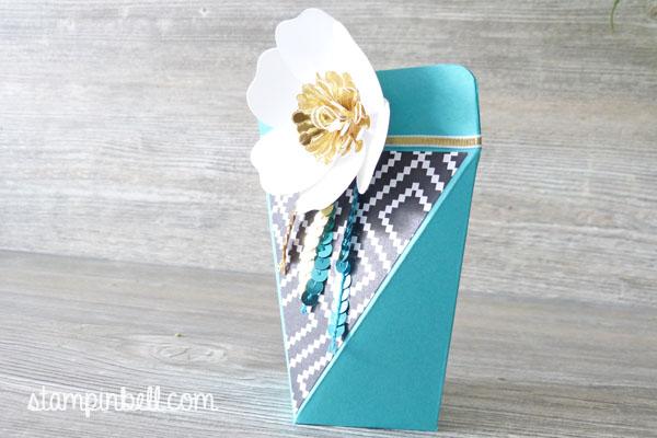 Selbstschließende Schachtel Bigz Bouquet Bermudablau Gold Jede Menge Liebe Geschenkidee Geschenke verpacken