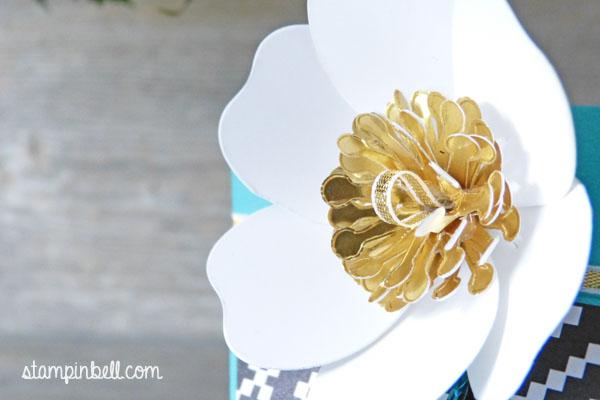 Selbstschließende Schachtel Bigz Bouquet Bermudablau Gold Jede Menge Liebe Geschenkschachtel DIY