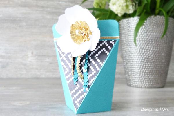 Selbstschließende Schachtel Bigz Bouquet Bermudablau Gold Jede Menge Liebe