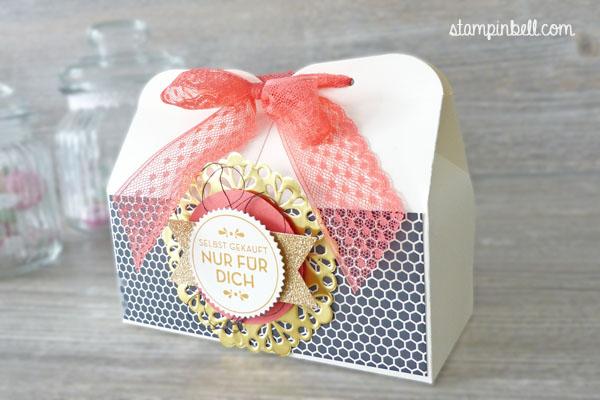 doppelte Leckereien Box Hausgemachte Leckerbissen Stampin´ Up! Stampinbell Leckereienbox Metallische Zierdeckchen Geschenkschachtel DIY